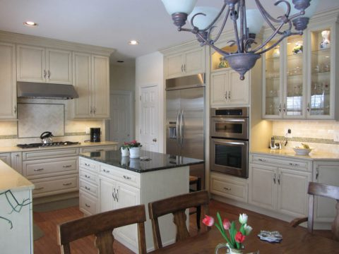 Beautiful White Cabinets & Glass Paned Kitchen - Beco ...