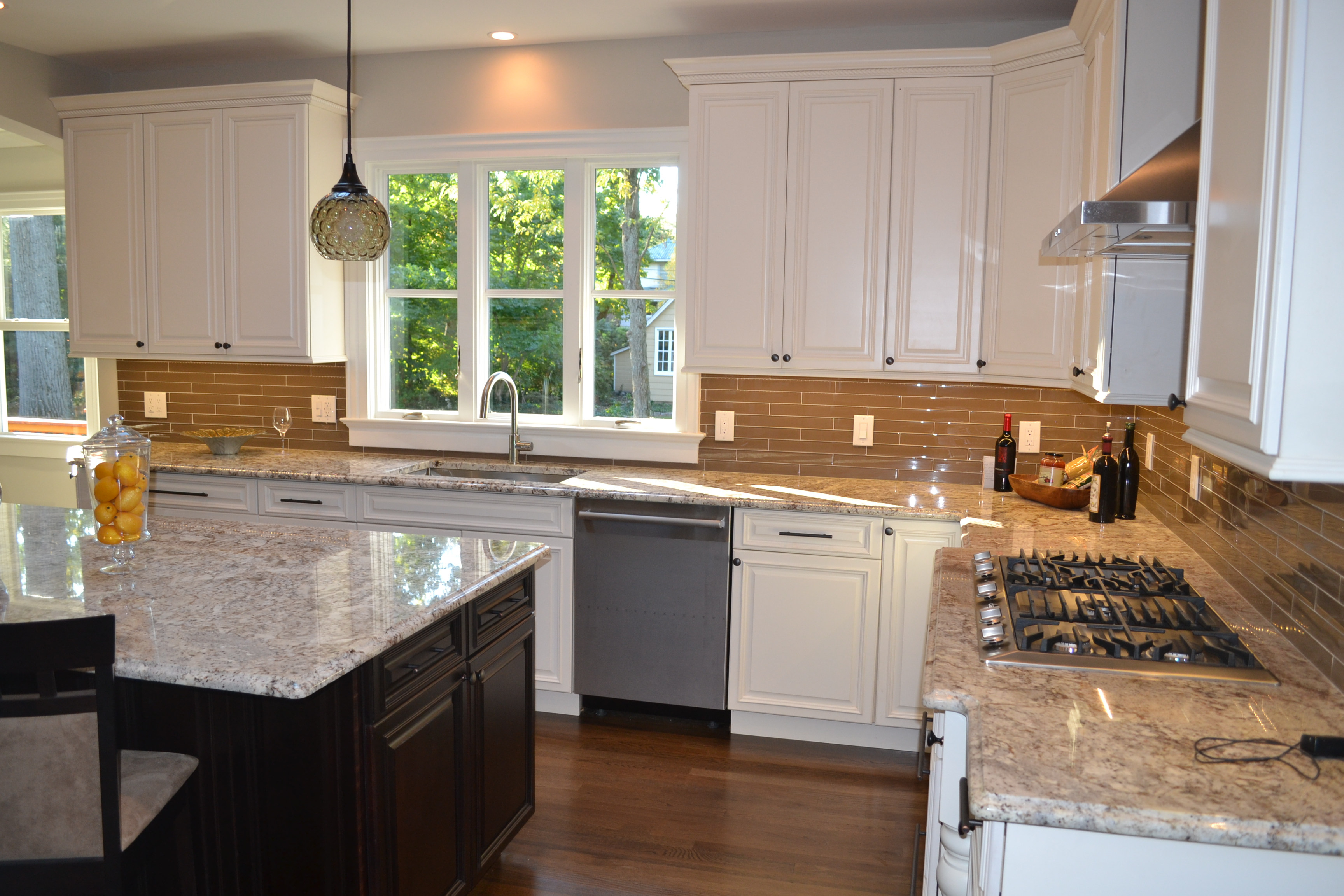 Cozy modern Kitchen-Montclair