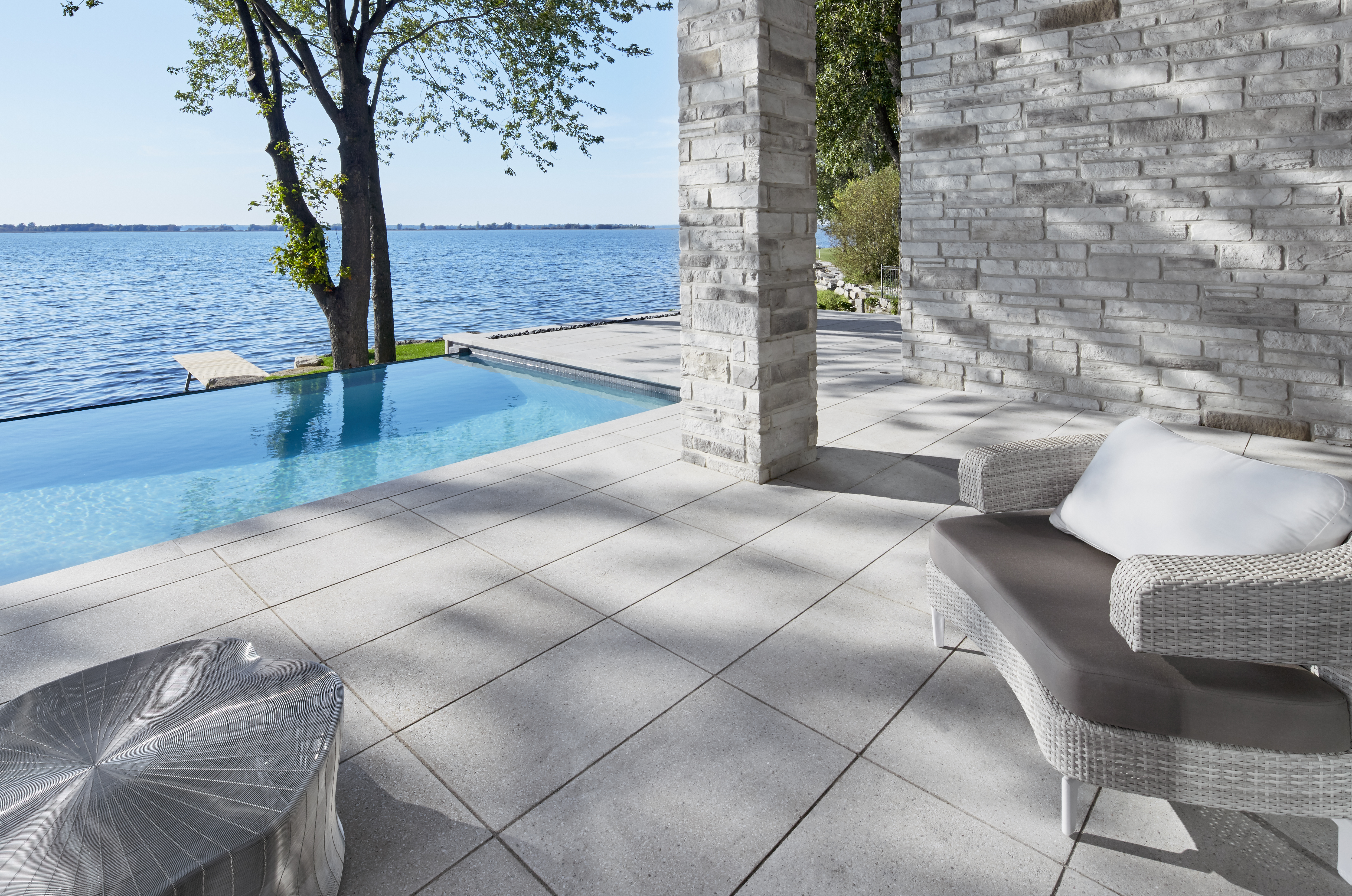 Contemporary Style Patio