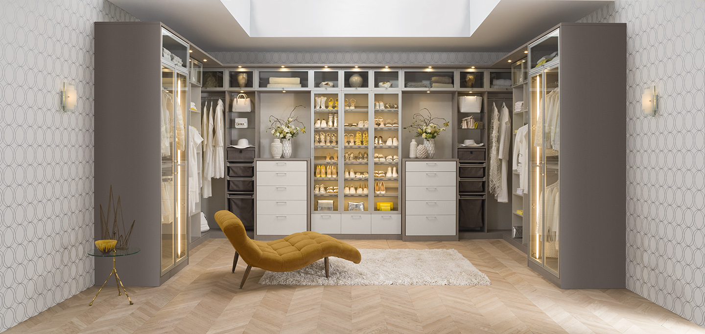 Charmant Luxe Walk In Closet