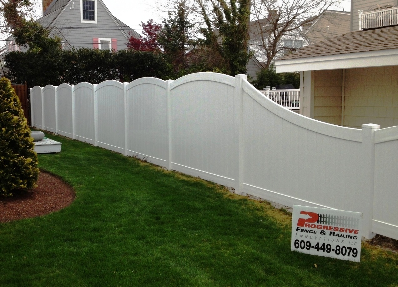 Curved fence - Progressive Fence & Rail