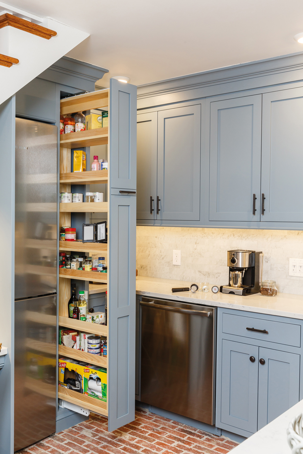Kitchen Cabinet/Rollout